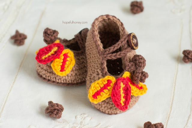 Autumn Oak Baby Booties Free Crochet Pattern