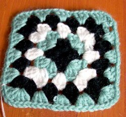 basic-granny-square-2-free-crochet-pattern