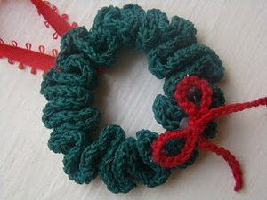 Beginner Christmas Wreath Ornament Free Crochet Pattern