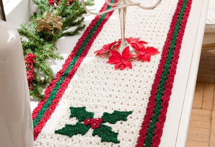 berry-leaf-table-runner-crochet-pattern