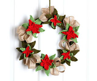 Christmas Poinsettia Wreath Free Crochet Pattern
