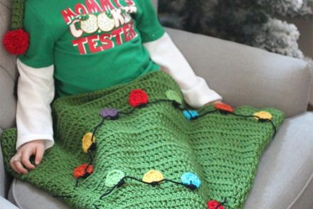 Christmas Tree Blanket Tail Free Crochet Pattern