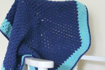 Cluster Color Blocked Preemie Blanket Free Crochet Pattern