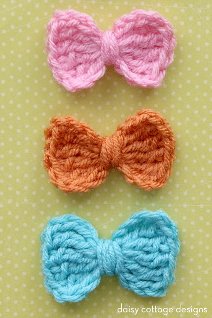 Daisy Cottage Bow Free Crochet Pattern