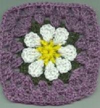 easy-daisy-granny-square-free-crochet-pattern