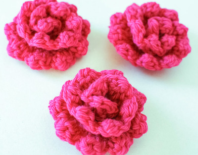 embellishing-rose-free-crochet-pattern