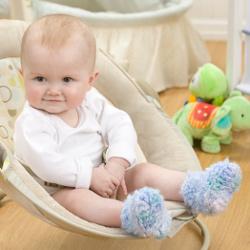fuzzy-baby-booties-free-crochet-pattern