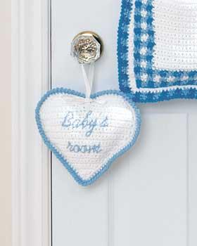 heart-baby-room-sign-free-crochet-pattern