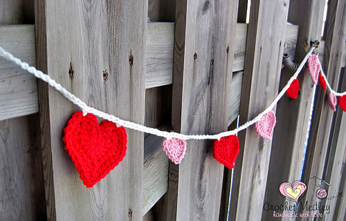 heart-garland-free-crochet-pattern