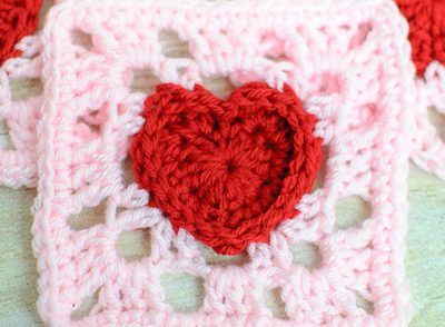 heartful-granny-square-free-crochet-pattern
