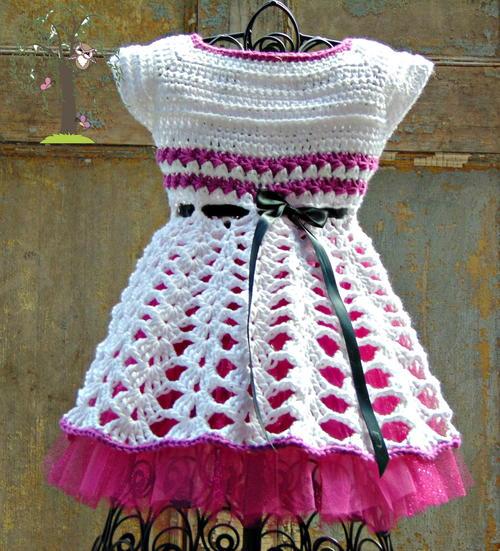 Isabella Baby Dress Free Crochet Pattern