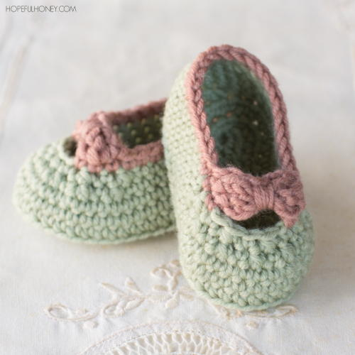 Little Lady Baby Booties Free Crochet Pattern