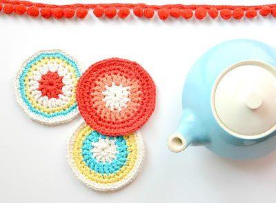 modern-vintage-coasters-free-crochet-pattern