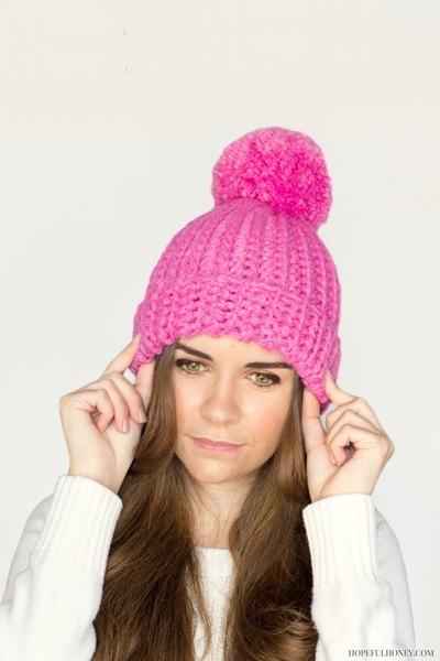 pink-bubblegum-pompom-beanie-free-crochet-pattern