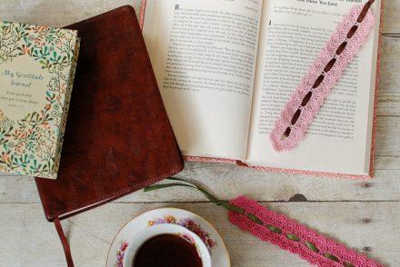 Pretty Lace Bookmark Free Crochet Pattern