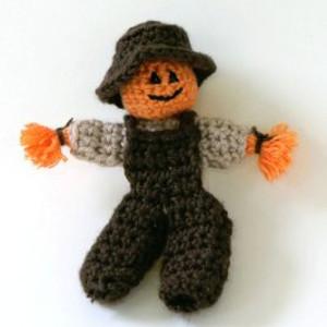 Pumpkin Scarecrow Finger Puppet Free Crochet Pattern