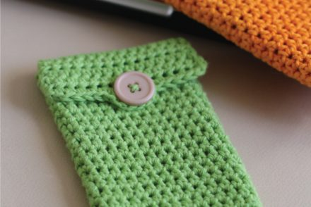 Simple iPhone Sleeve Free Crochet Pattern