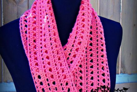 Spring Kisses Infinity Scarf Free Crochet Pattern