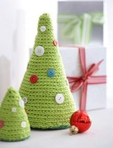 table-top-crochet-christmas-tree-pattern