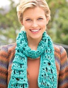 turquoise-broomstick-scarf-free-crochet-pattern
