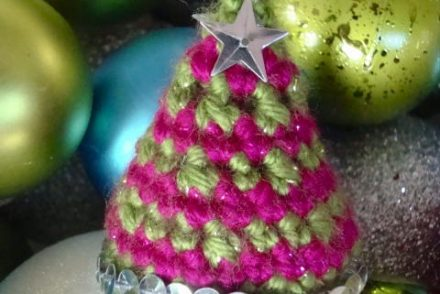 Twinkle Tree Ornament Free Crochet Pattern