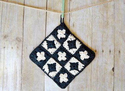 Vintage Inspired Potholder Free Crochet Pattern